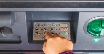 Przerzucenie się na kod PIN skutkowało w niektórych krajach zmniejszeniem skali kradzieży gotówki z kart