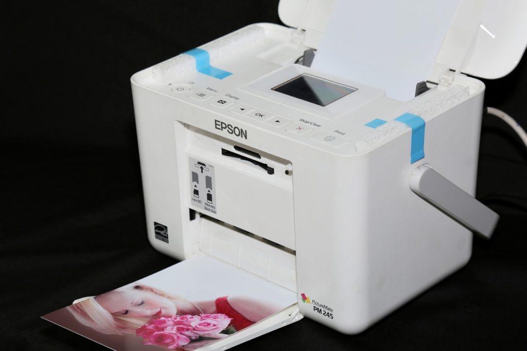 Jakie są wady i zalety zamienników do drukarek?