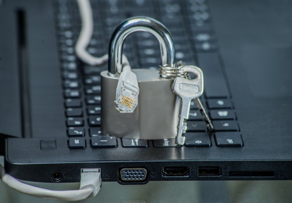 Chroń swój komputer przec cały czas dzięki AVG Ultimate.