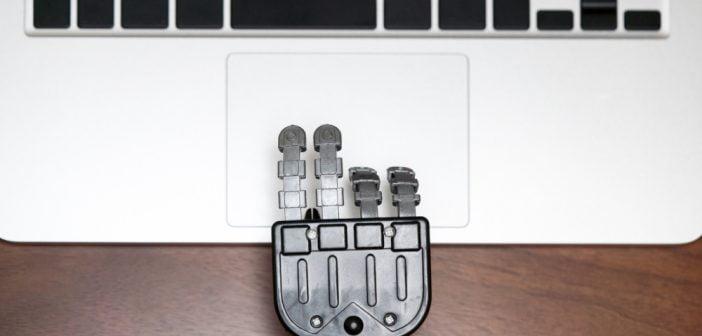 Poradnik co zrobić w przypadku awarii touchpada w laptopie.
