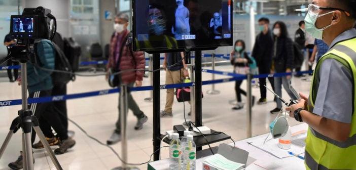 Kamery termowizyjne służą do odnajdywania osób zarażonych.