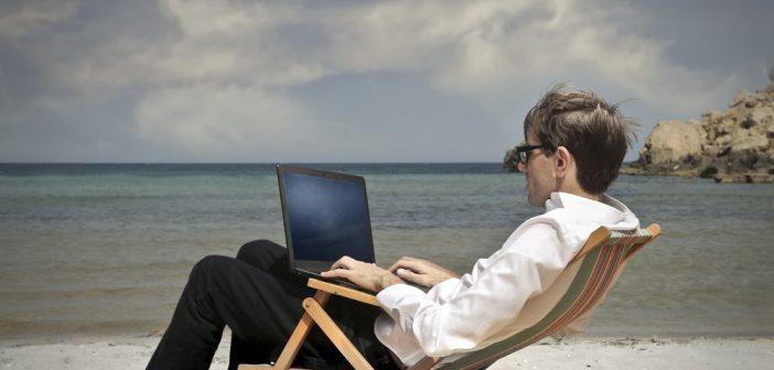 7 rzeczy, które warto wziąć pod uwagę wybierając laptop do podróżowania