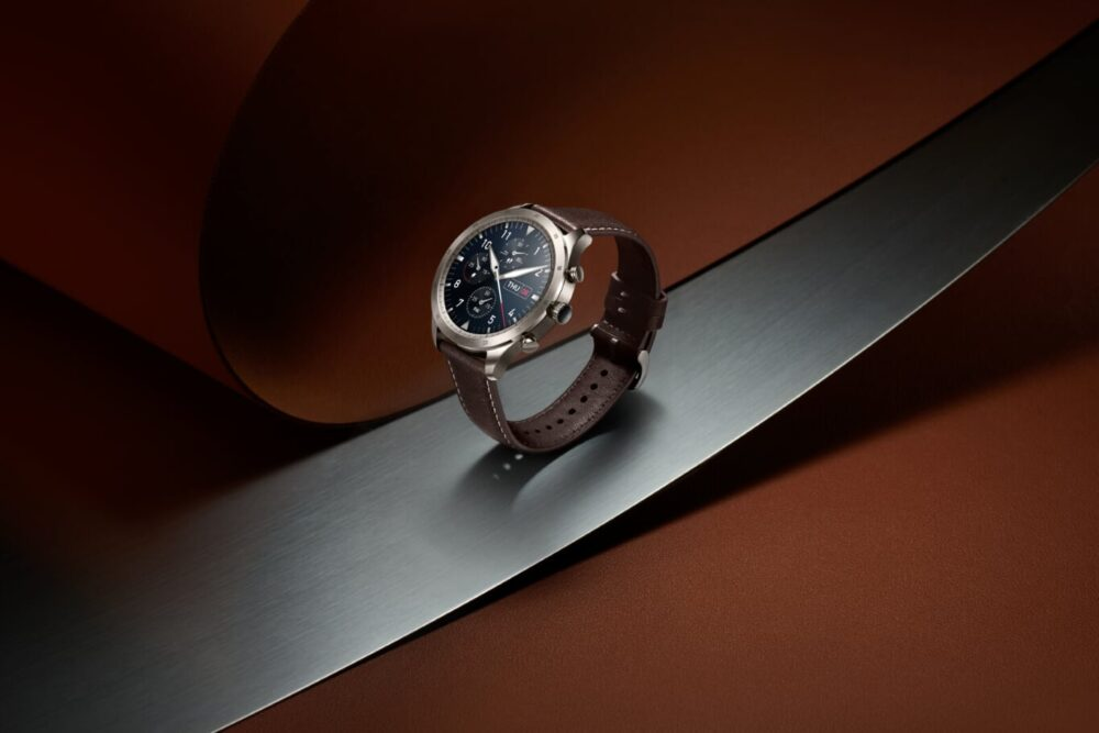 Elegancki smartwatch męski i damski. Doskonały jako przydatna dekoracja.