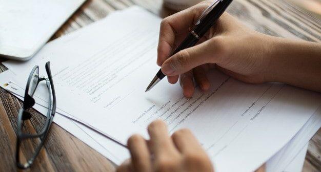 Jak rozwiązać umowę z operatorem internetu bez konsekwencji?