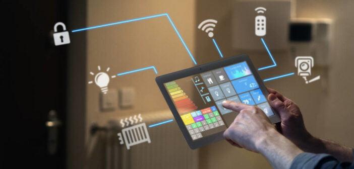 Urządzenia dostępne w inteligentnym domu zarządzane sa przez specjalny system.